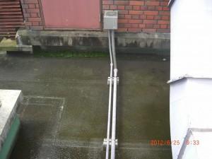 詰まりが解消され水が排水された床面